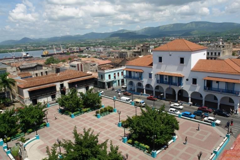 CITY TOUR CON ALMUERZO  (RECOGIDA EN LOS HOTELES DE SANTIAGO)