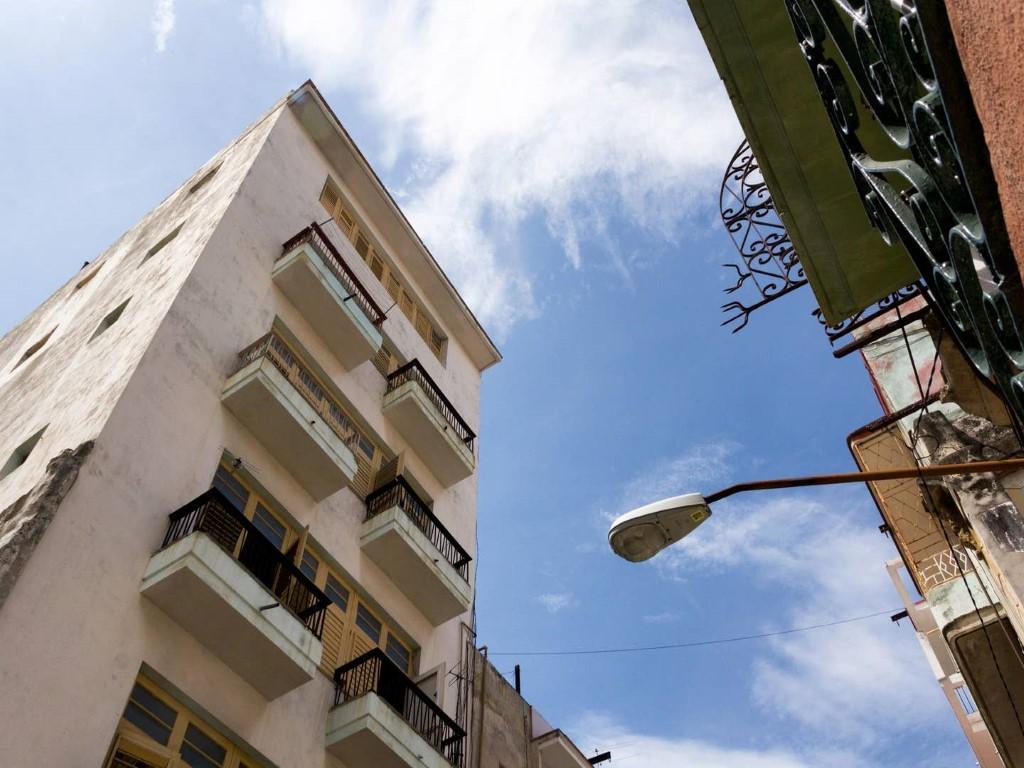 Concordia -                                                 Frente del edificio