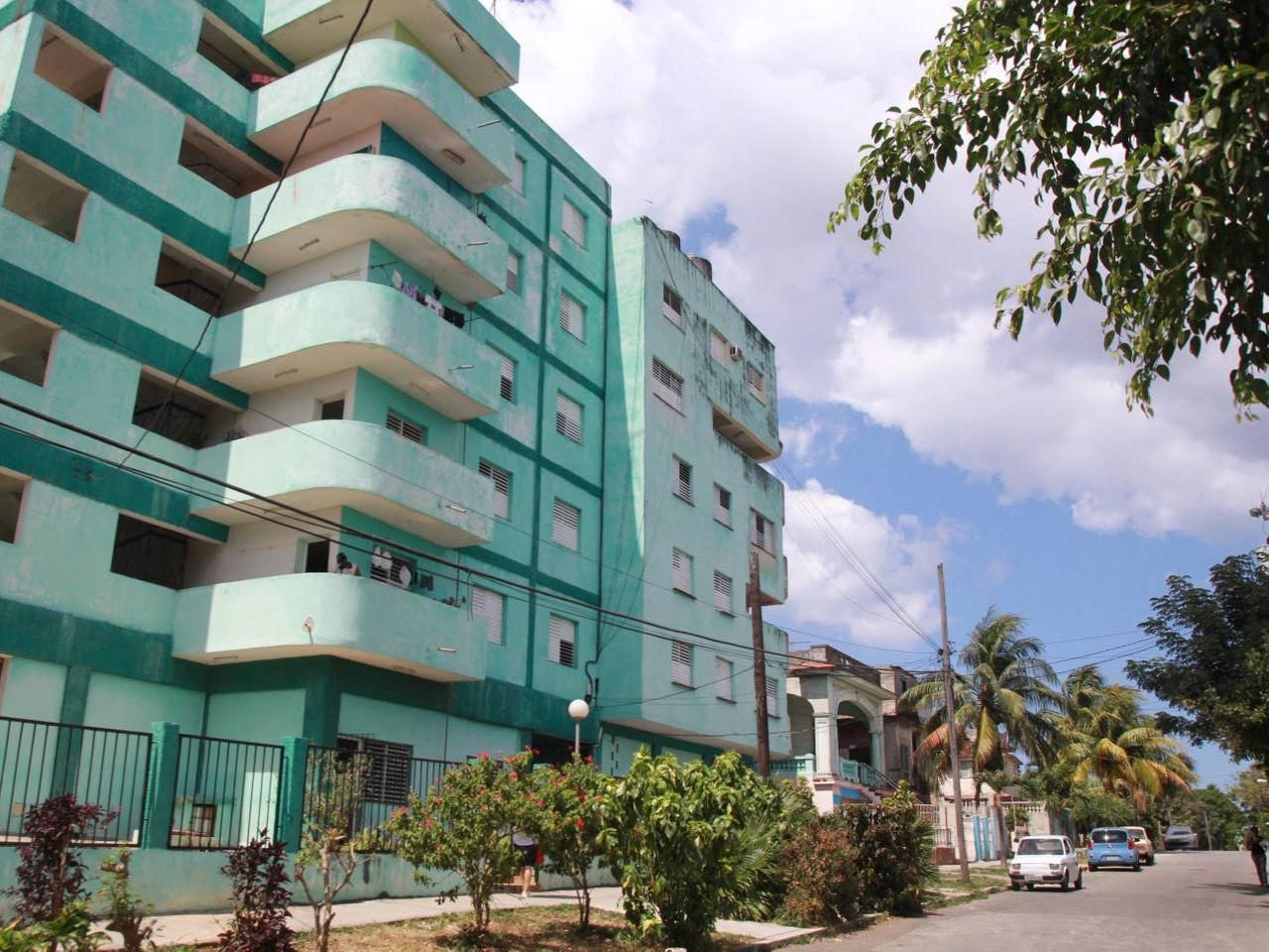 Apartamento La Plaza -                                                 Frente del edificio