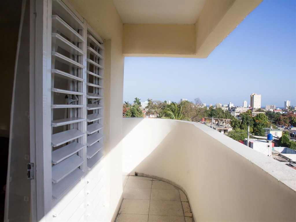Apartamento La Plaza -                                                 Balcón