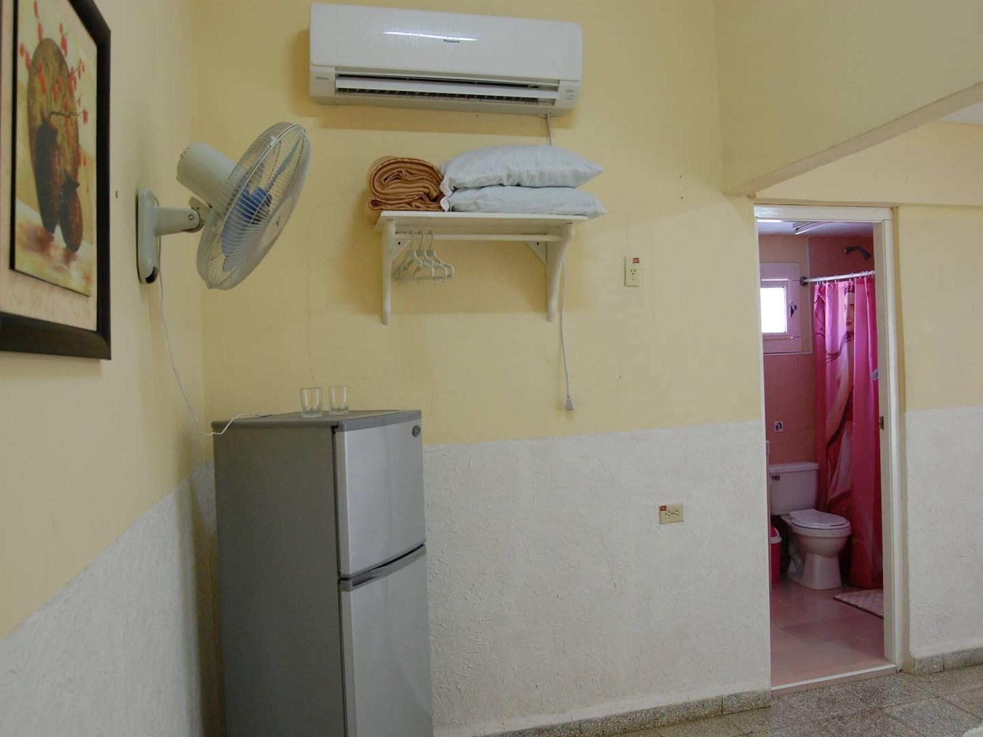 El Barbero -                                                 Habitación 2