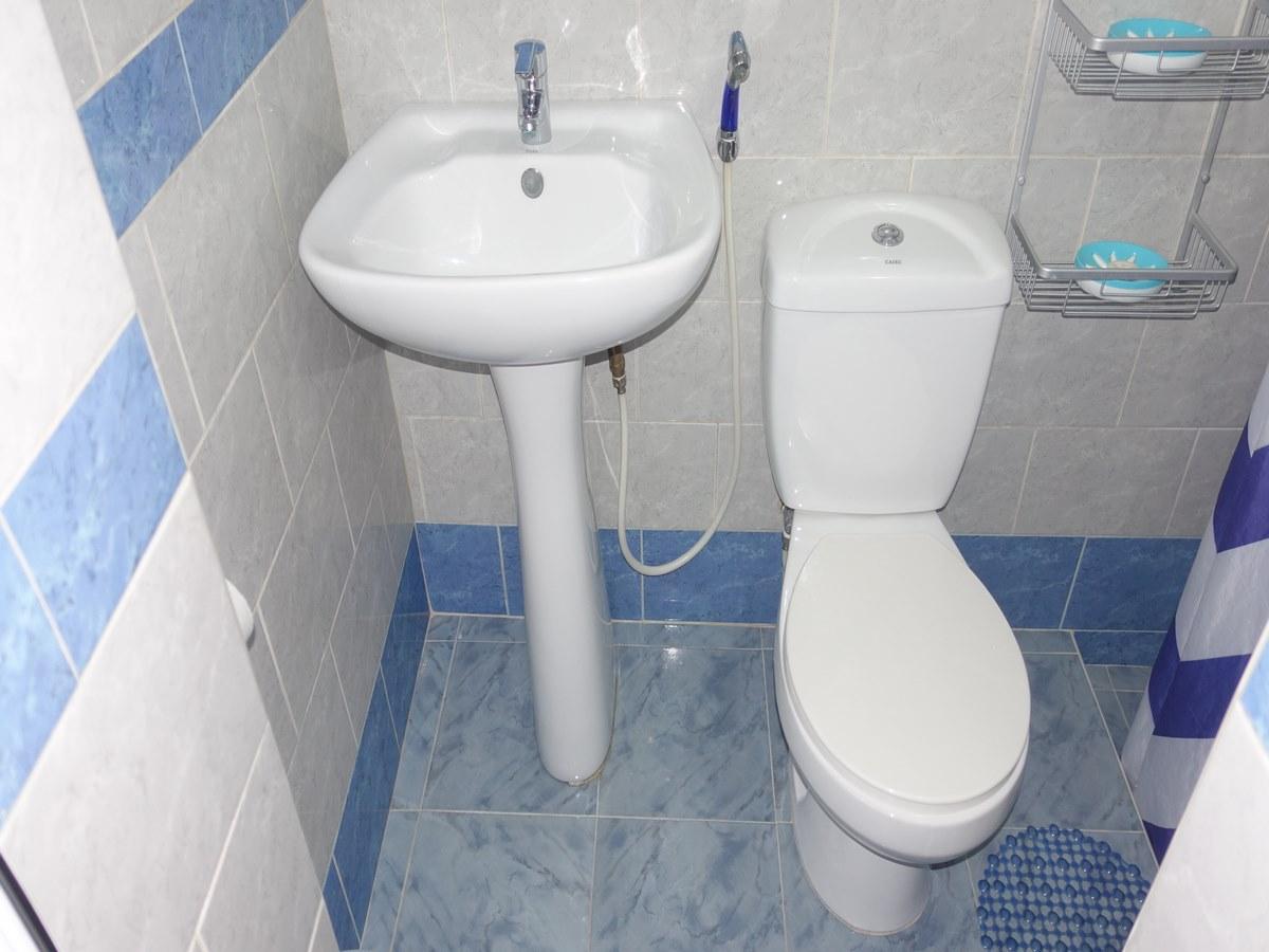 Casa Tito y Martha -                                                 baño 2