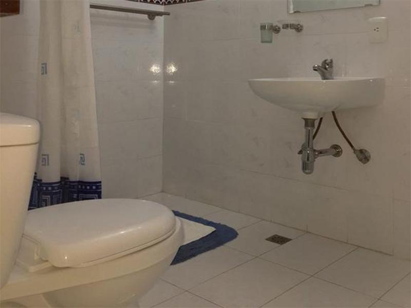 Hostal Miramar  -                                                 Bathroom 2