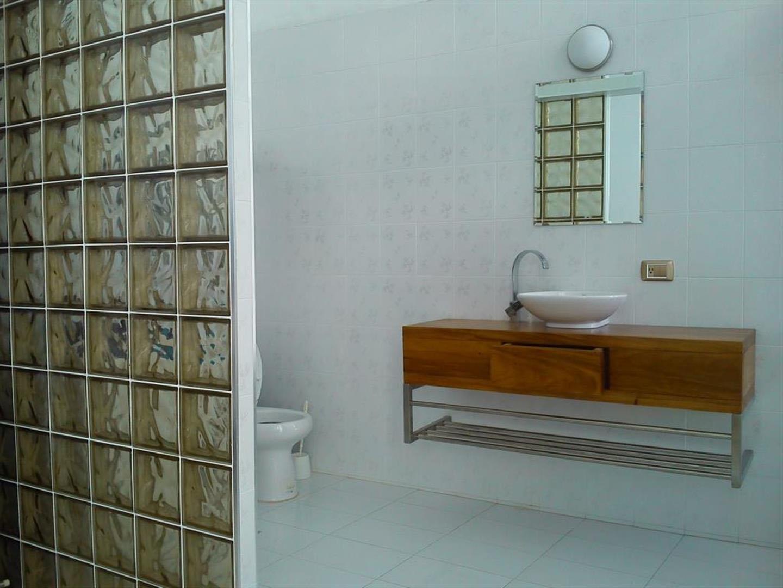 Hostal Miramar  -                                                 Bathroom 1