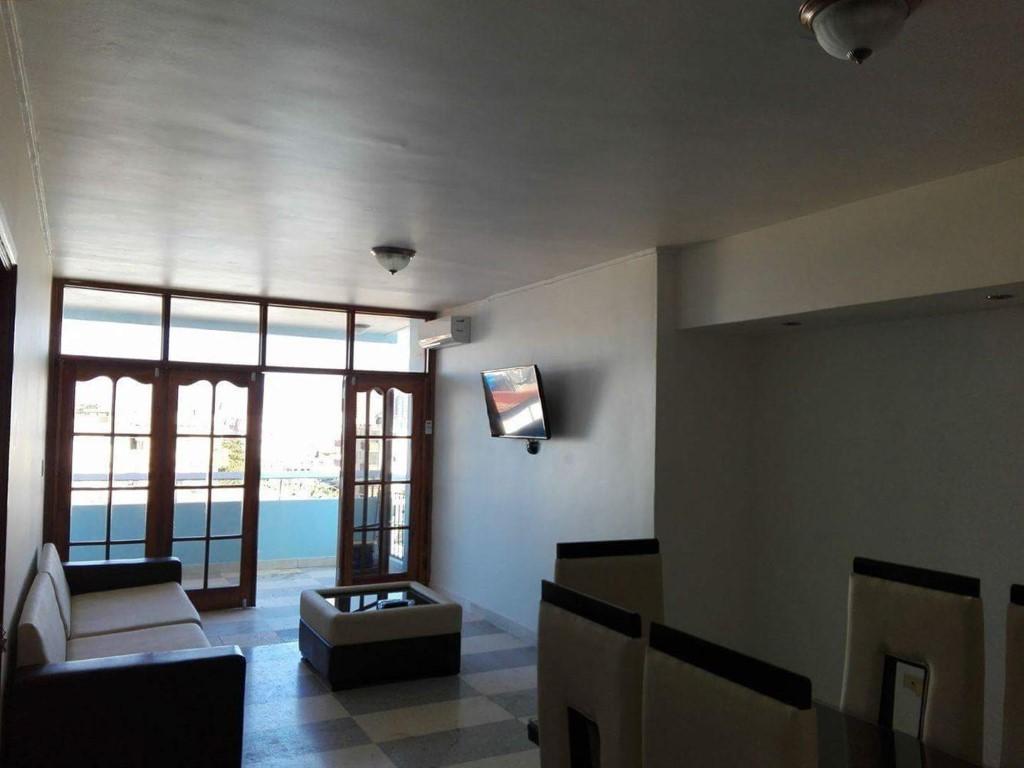 Apartamento 4to. Piso Malecón  -                                                 Sala de estar
