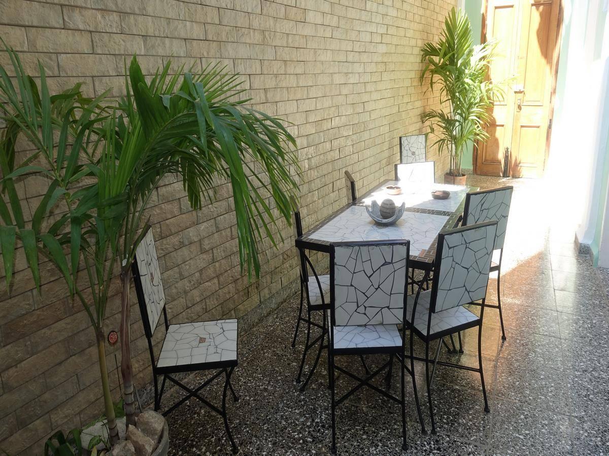 Hostal Barceló -                                                 Patio interior