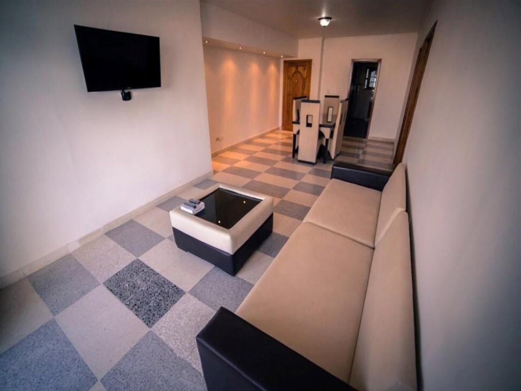 Apartamento 4to. Piso Malecón  -                                                 Sala