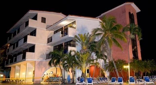 Isolation package COVID19 - Hotel Acuario with breakfast and dinner included